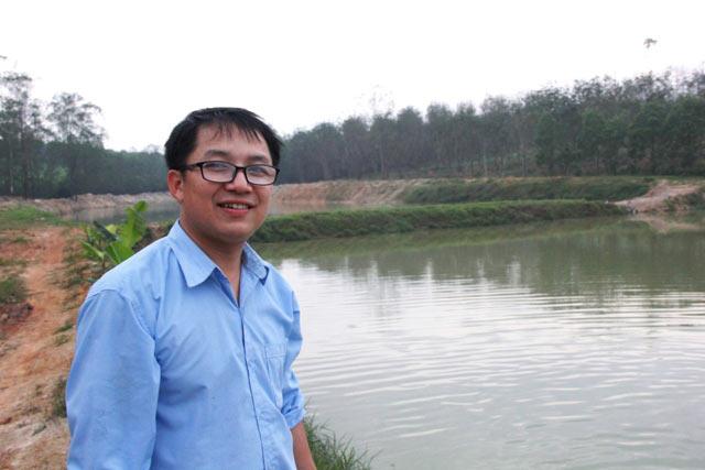 Làm giàu ở nông thôn: Trai trẻ 8X bỏ nghề báo về quê nuôi lợn, gà - 1
