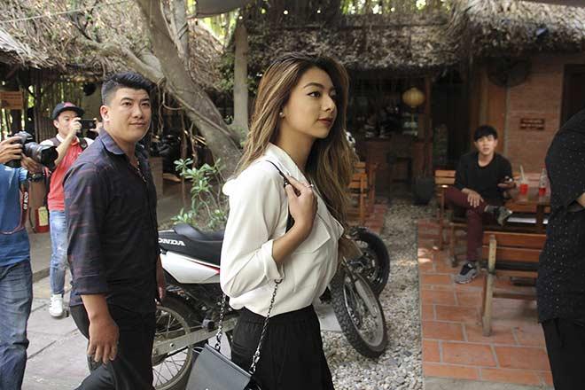 Flores đưa người đẹp đến võ đường, Johnny Trí Nguyễn bất ngờ đón tiếp - 1