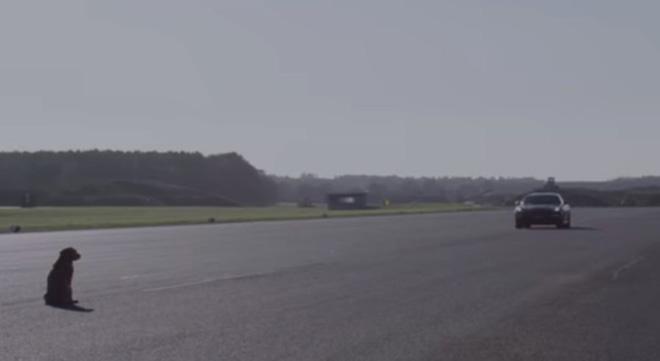 Biến chiếc ô tô thành xe tự lái với Huawei Mate 10 Pro - 1