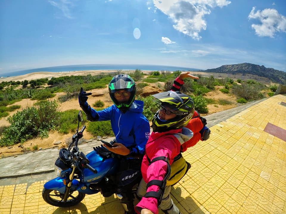 Ghen tỵ với chuyến phượt xuyên Việt bằng xe máy của cặp đôi Hà thành - 1