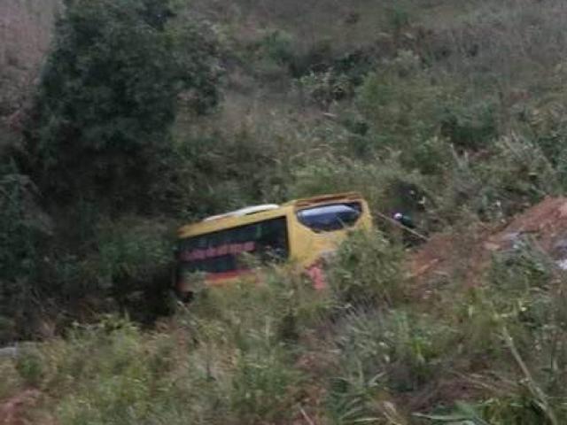 Xe khách rơi xuống vực sâu trên đèo Lò Xo, tài xế tử vong