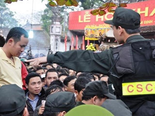 Thiết lập 5 vòng an ninh bảo vệ lễ Khai ấn đền Trần