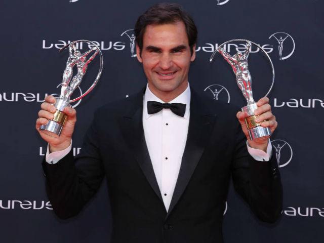 """Tin thể thao HOT 1/3: Federer mừng Oscar thể thao, """"xõa"""" đến 4 giờ sáng"""