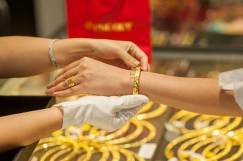 Giá vàng hôm nay 1/3: Chiều bán giảm gấp 3 lần chiều mua vào kể từ sau ngày Thần tài - 1