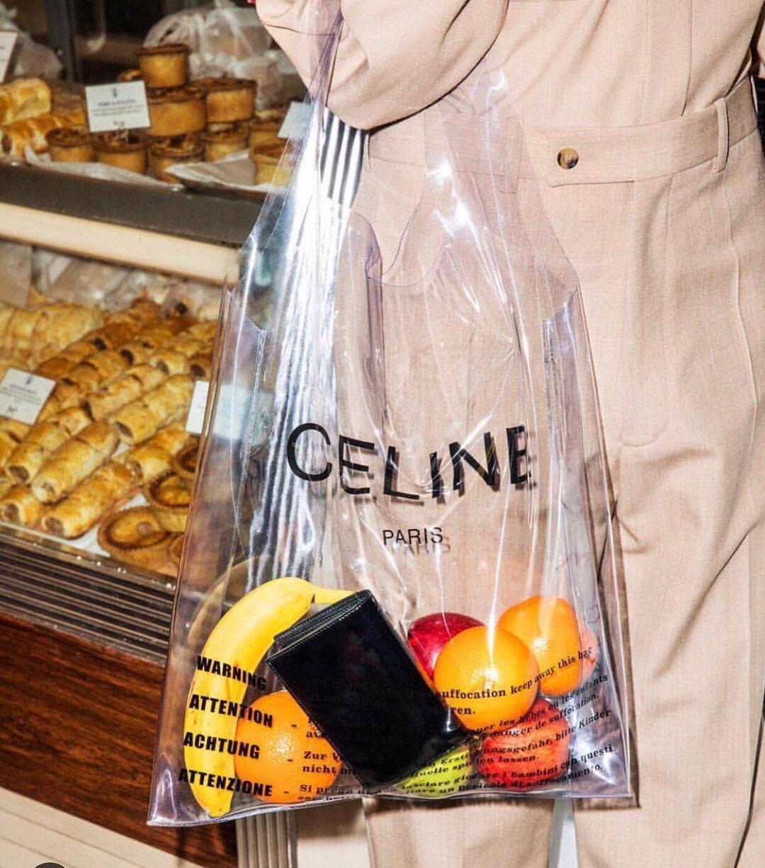 Sốc: Túi nhựa hàng hiệu giá hơn 13 triệu đồng vẫn gây sốt ở Mỹ - 1