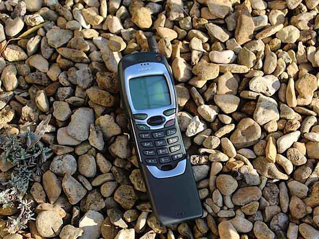 """Sau Nokia 8110, cục gạch """"1999"""" Nokia 7110 sẽ được hồi sinh?"""