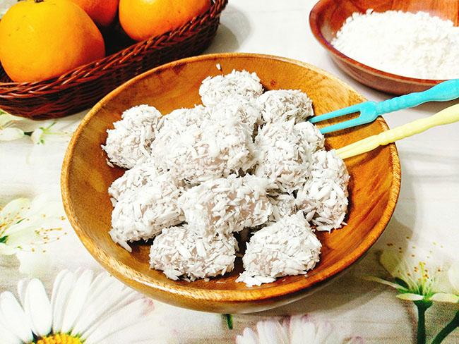 Nhấm nháp quà chiều với bánh khoai môn dẻo bọc dừa thơm thơm cực dễ làm - 1
