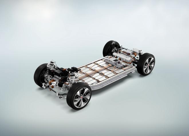 Xe điện Jaguar I-Pace ra mắt giá 1,6 tỷ đồng - 1