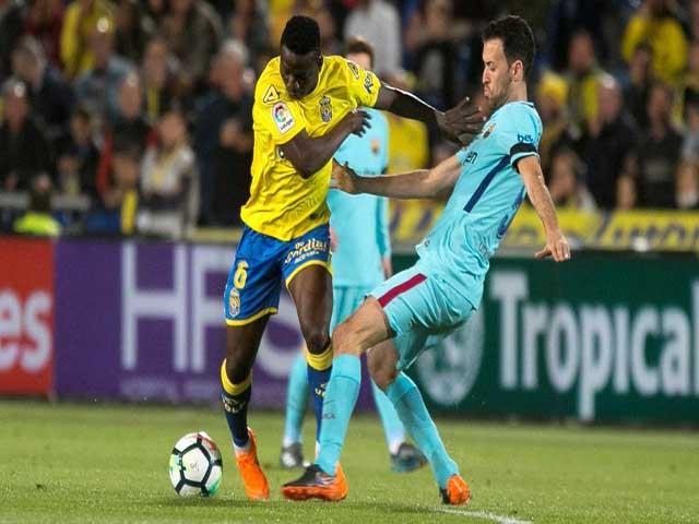 Video, kết quả bóng đá Las Palmas - Barcelona: Tuyệt phẩm siêu sao, penalty định đoạt