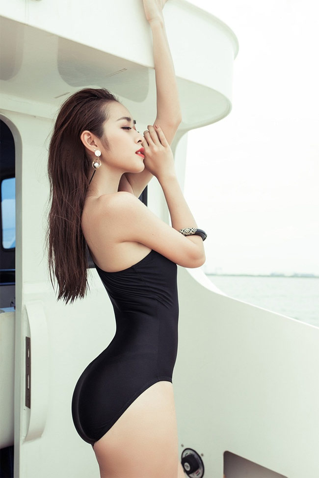 """Qua rồi thời """"e lệ"""", Bảo Anh, bạn gái Cường Đô La,… mặc áo tắm ngày càng gợi cảm - hình ảnh 16"""