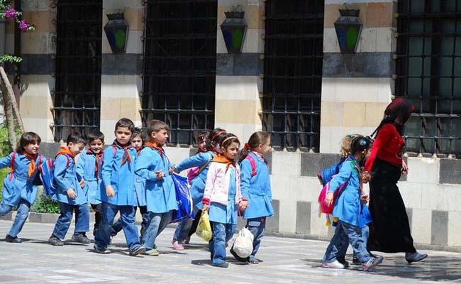 Khám phá đồng phục học sinh của các quốc gia trên thế giới - 9