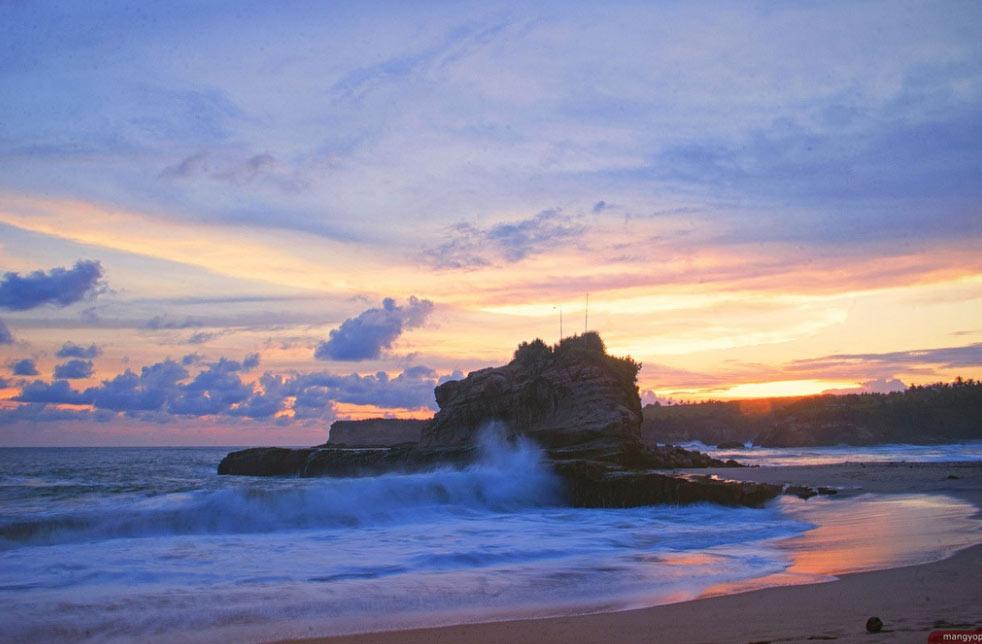 Không chỉ Bali trứ danh, Indonesia còn có những hòn đảo đẹp kinh ngạc thế này - hình ảnh 4
