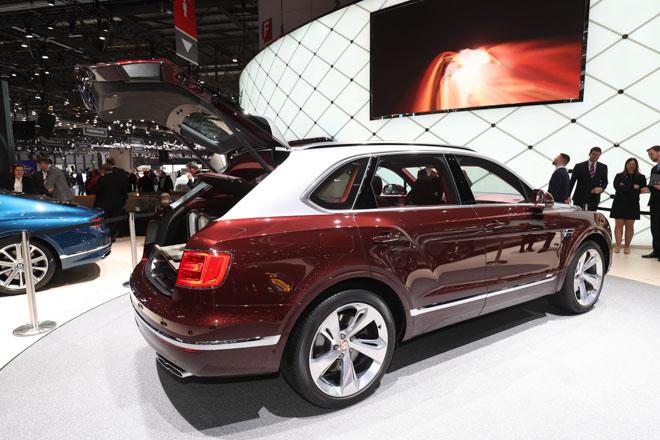 Bentley ra mắt bộ sạc điện dành riêng cho Bentayga Hybrid - 9