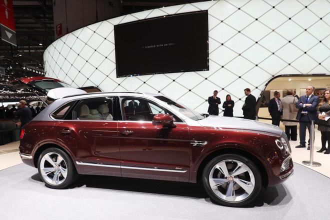 Bentley ra mắt bộ sạc điện dành riêng cho Bentayga Hybrid - 6