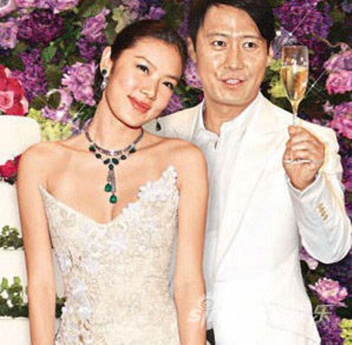 Bị vợ gốc Việt cắm sừng, thiên vương Hong Kong hẹn hò trợ lý sau ly hôn - hình ảnh 1