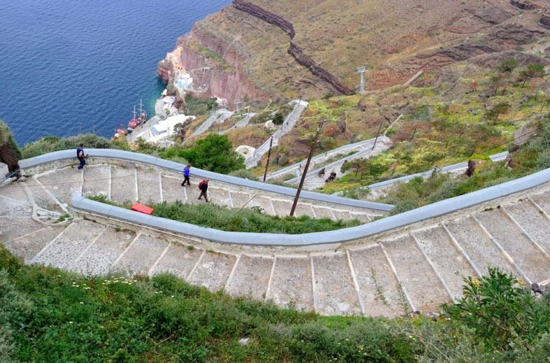Thiên đường du lịch Santorini: Không phải màu hồng như bạn tưởng tượng - hình ảnh 10