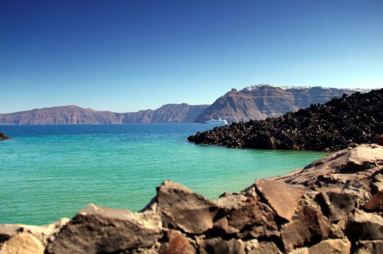 Thiên đường du lịch Santorini: Không phải màu hồng như bạn tưởng tượng - hình ảnh 11