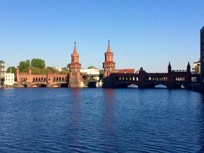 Muốn thăm một Châu Âu cổ kính, thanh lịch, bạn nhất định phải tới thành phố xinh đẹp này - hình ảnh 2