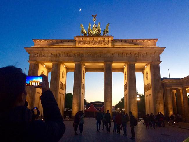 Muốn thăm một Châu Âu cổ kính, thanh lịch, bạn nhất định phải tới thành phố xinh đẹp này - hình ảnh 4