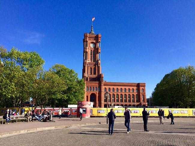 Muốn thăm một Châu Âu cổ kính, thanh lịch, bạn nhất định phải tới thành phố xinh đẹp này - hình ảnh 10
