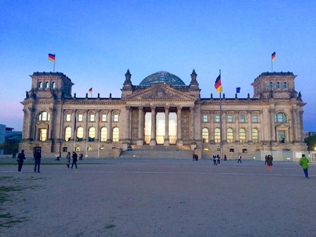 Muốn thăm một Châu Âu cổ kính, thanh lịch, bạn nhất định phải tới thành phố xinh đẹp này - hình ảnh 9