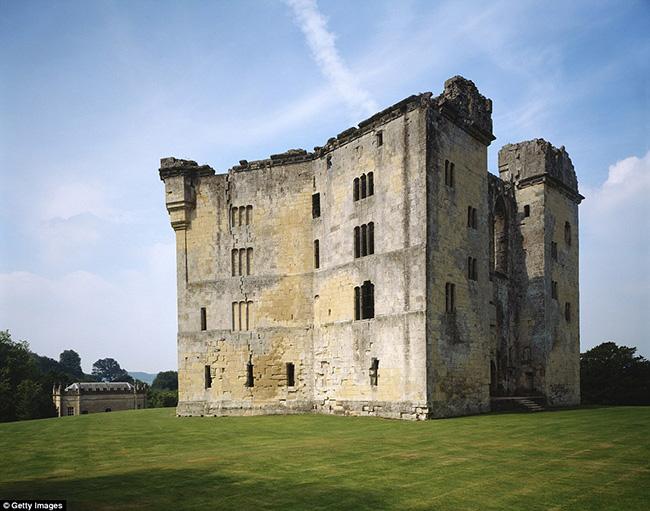 Ám ảnh trước những lâu đài bị bỏ hoang trên thế giới - hình ảnh 6