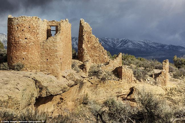 Ám ảnh trước những lâu đài bị bỏ hoang trên thế giới - hình ảnh 12