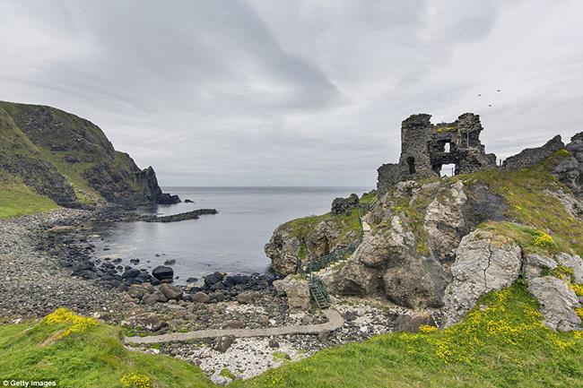 Ám ảnh trước những lâu đài bị bỏ hoang trên thế giới - hình ảnh 11