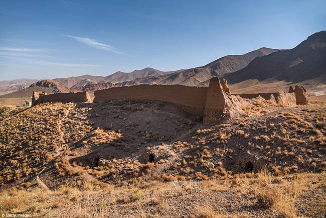 Ám ảnh trước những lâu đài bị bỏ hoang trên thế giới - hình ảnh 16