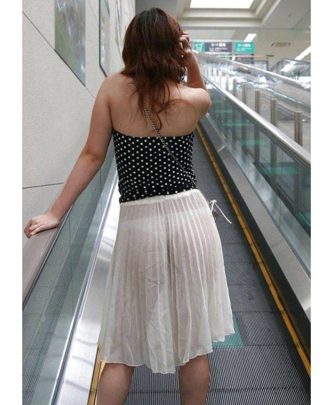 Váy áo mỏng tang, siêu ngắn gây đỏ mặt của con gái Trung Quốc - hình ảnh 8