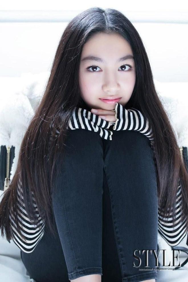 Con gái ông trùm phim xã hội đen Hong Kong phổng phao tuổi 14 - hình ảnh 4