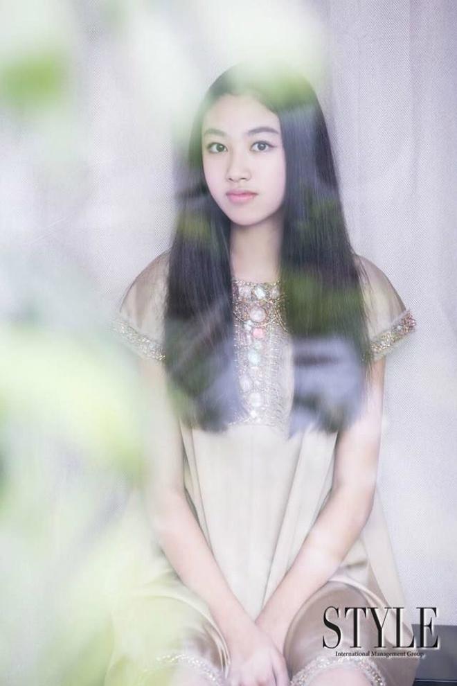 Con gái ông trùm phim xã hội đen Hong Kong phổng phao tuổi 14 - hình ảnh 2