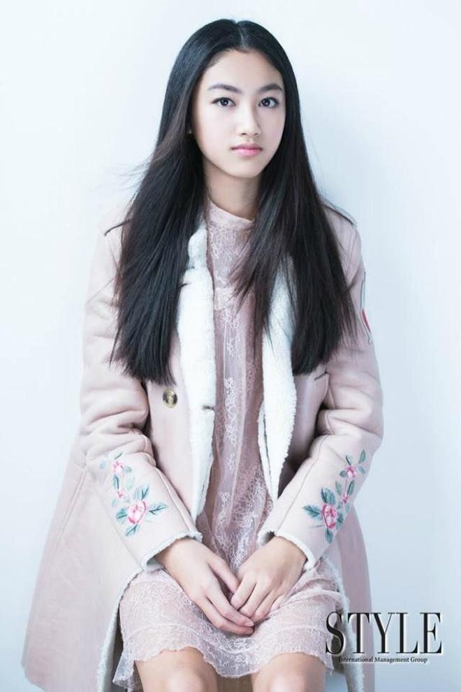 Con gái ông trùm phim xã hội đen Hong Kong phổng phao tuổi 14 - hình ảnh 1