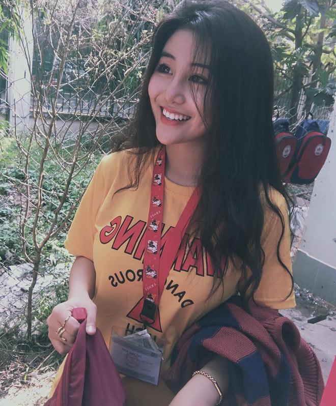 Fan girl U23 Việt Nam được báo Hàn ca ngợi đẹp như nữ thần - hình ảnh 6