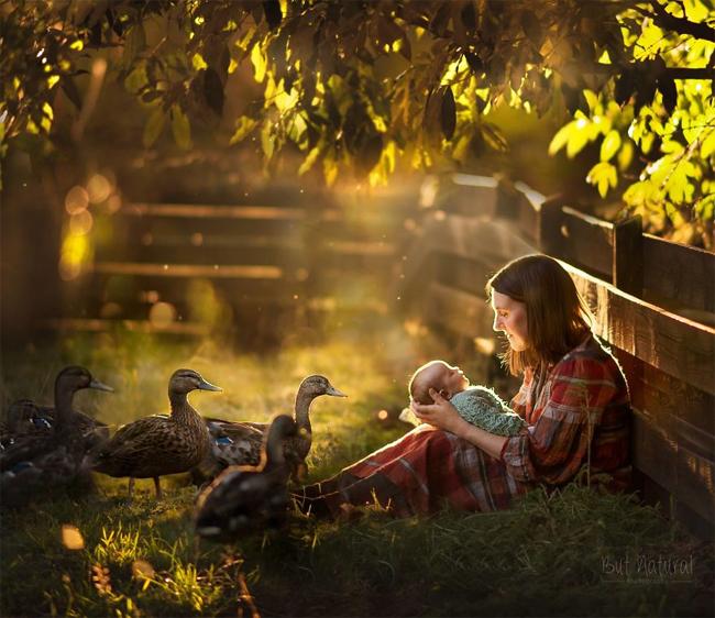Mê mẩn với bộ ảnh mẹ cho con bú của nhiếp ảnh gia Ấn Độ - hình ảnh 5