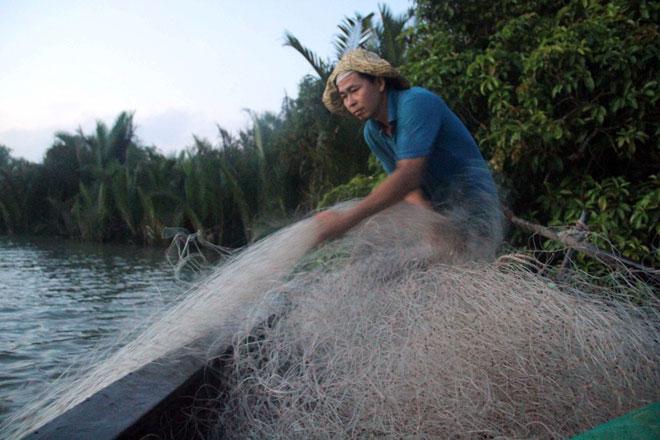 """Theo chân thợ săn cá """"khủng"""", từng 2 lần được lộc trời ban ở Sài Gòn - hình ảnh 16"""