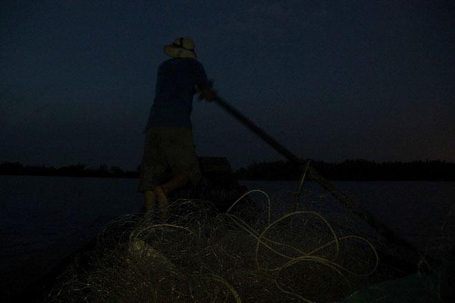 """Theo chân thợ săn cá """"khủng"""", từng 2 lần được lộc trời ban ở Sài Gòn - hình ảnh 15"""