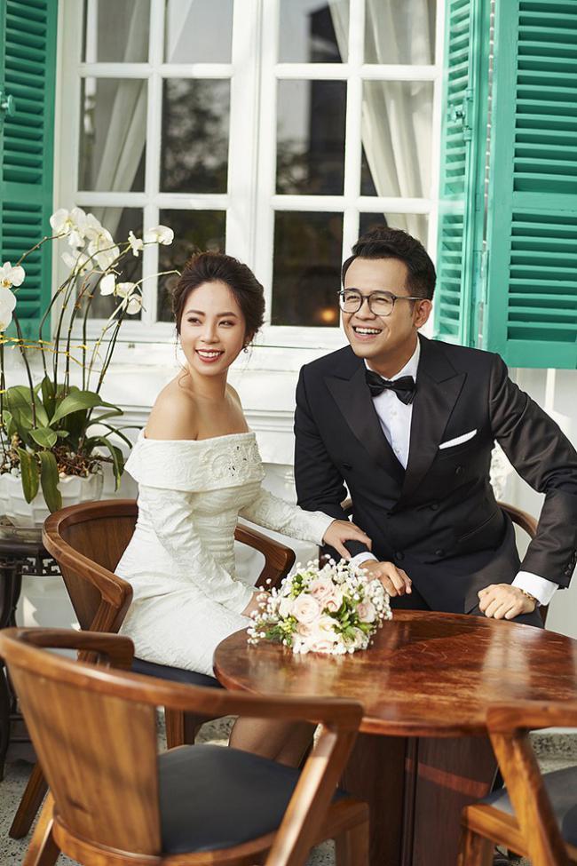 """MC """"Chúng tôi là chiến sĩ"""" tung ảnh cưới với nữ biên tập viên xinh đẹp - hình ảnh 5"""
