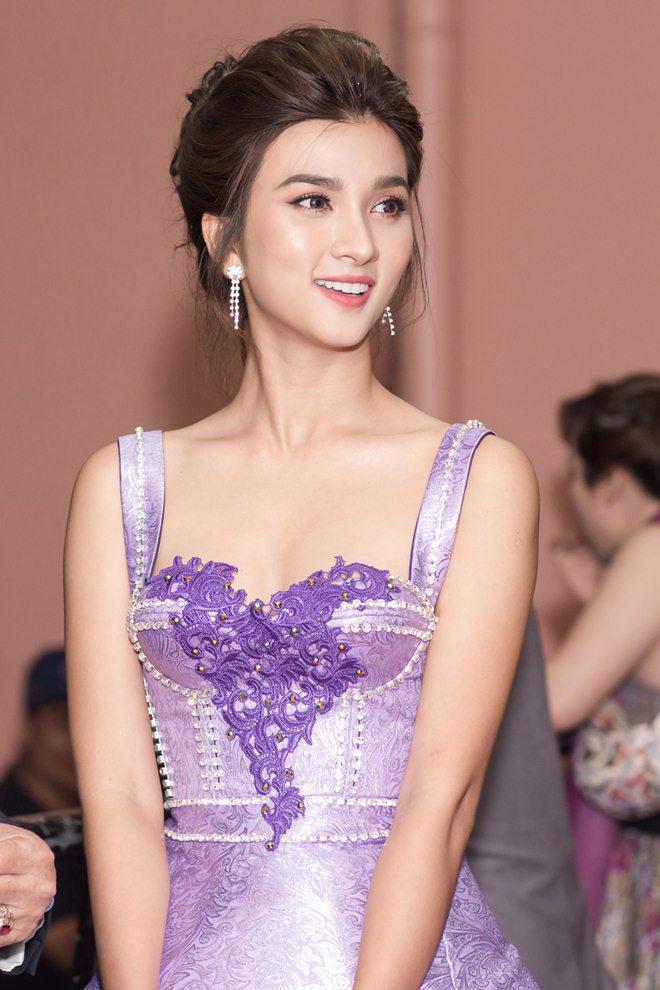 """Tò mò về """"nữ hoàng cảnh nóng"""" mới của màn ảnh Việt - hình ảnh 3"""