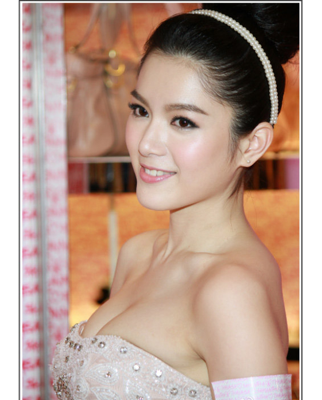 """Vẻ sexy tuyệt đối của 5 hoa á hậu Hồng Kông mở """"tiệc trinh nữ"""" công khai - hình ảnh 12"""