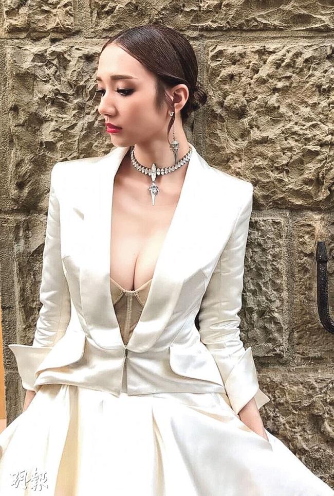 """Vẻ sexy tuyệt đối của 5 hoa á hậu Hồng Kông mở """"tiệc trinh nữ"""" công khai - hình ảnh 2"""