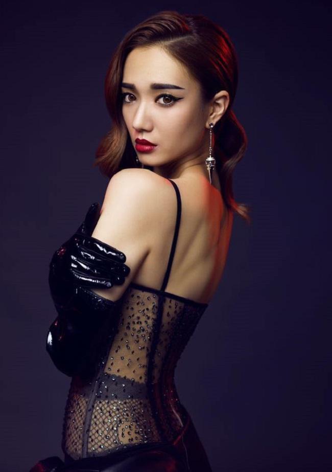 """Vẻ sexy tuyệt đối của 5 hoa á hậu Hồng Kông mở """"tiệc trinh nữ"""" công khai - hình ảnh 5"""