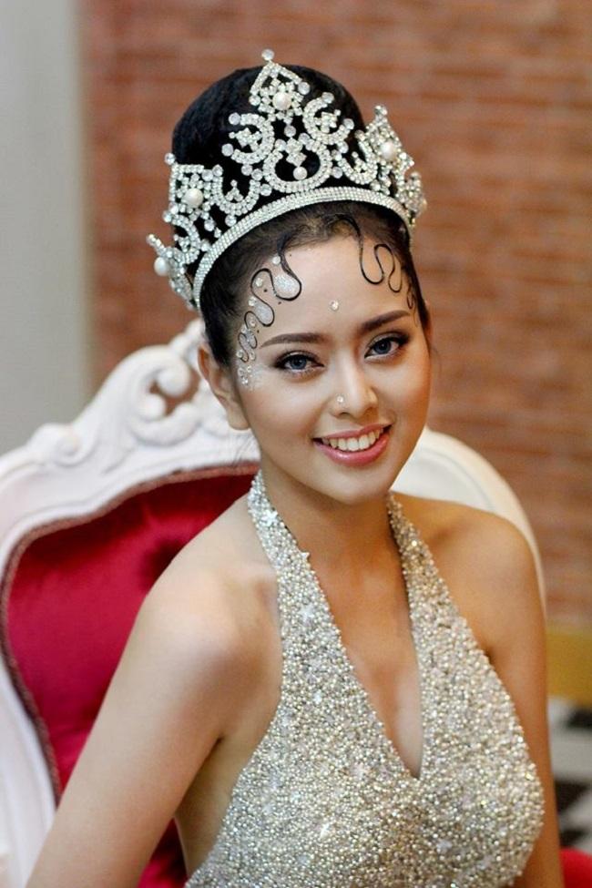 """Gục ngã trước loạt ảnh mới của cô gái Lào 20 tuổi """"xinh như tiên"""" - hình ảnh 15"""