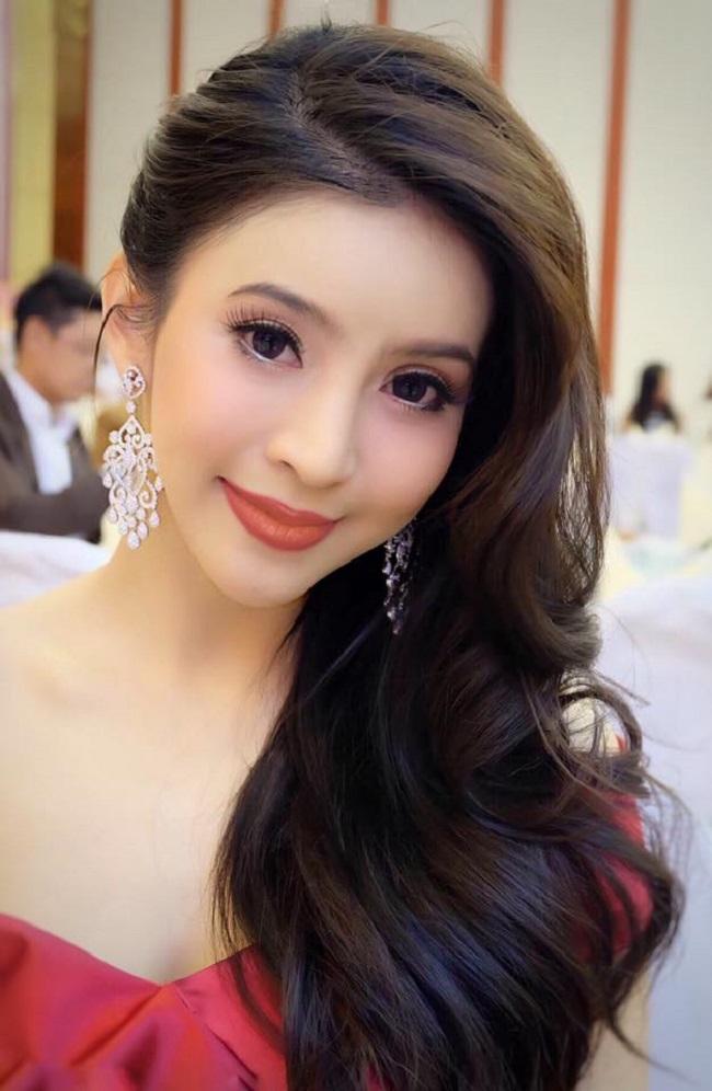 Ngỡ ngàng trước nhan sắc xinh như mộng của con gái Lào ngày nay - hình ảnh 1
