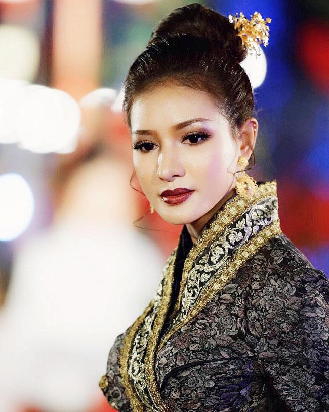 Ngỡ ngàng trước nhan sắc xinh như mộng của con gái Lào ngày nay - hình ảnh 12