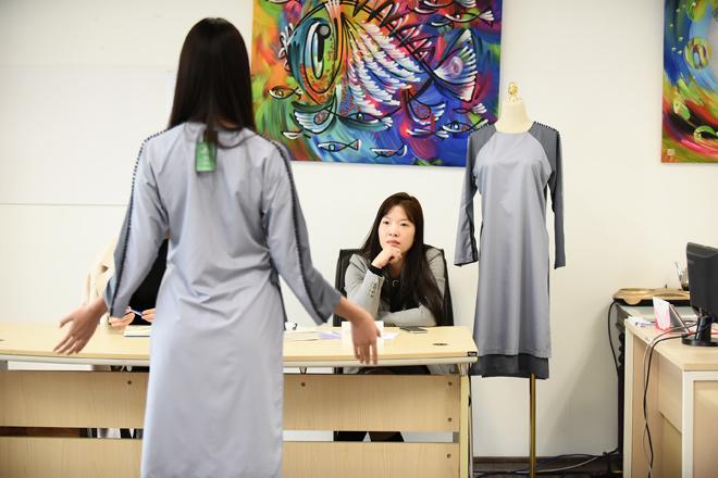 Mẫu Việt casting show diễn trang phục Phật tử Thiện Phát Design giữa tiết trời giá lạnh - 5