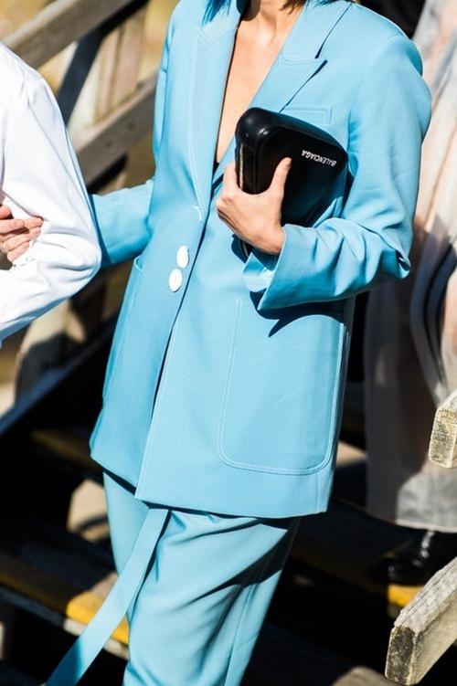 4 chiếc blazer giúp nữ công sở mặc đẹp cả năm - 1