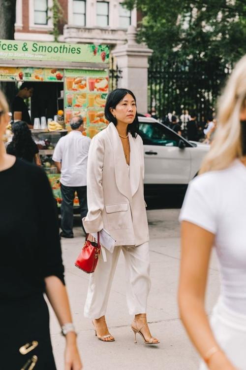 4 chiếc blazer giúp nữ công sở mặc đẹp cả năm - 6