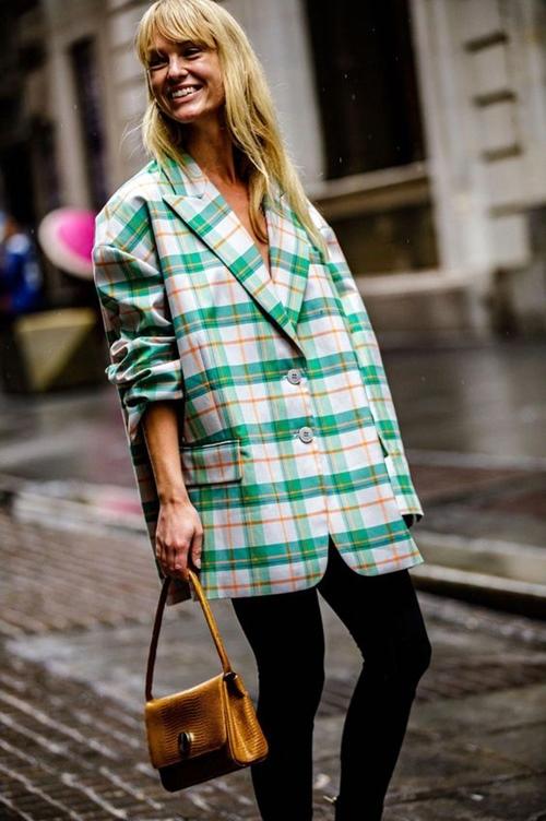 4 chiếc blazer giúp nữ công sở mặc đẹp cả năm - 11