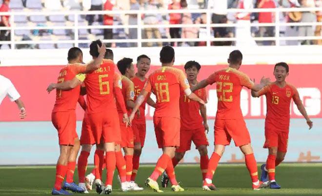 Asian Cup Trung Quốc - Kyrgyzstan: Thảm họa thủ môn siêu phẩm vô nghĩa - 1